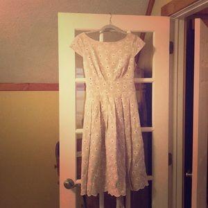 Jones New York tea length beige lace dress